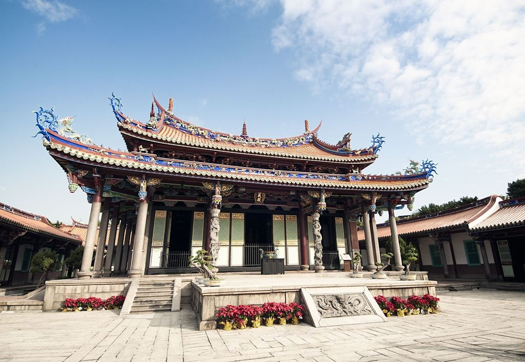 This beautifully preserved historic temple was built to a traditional Chinese design.