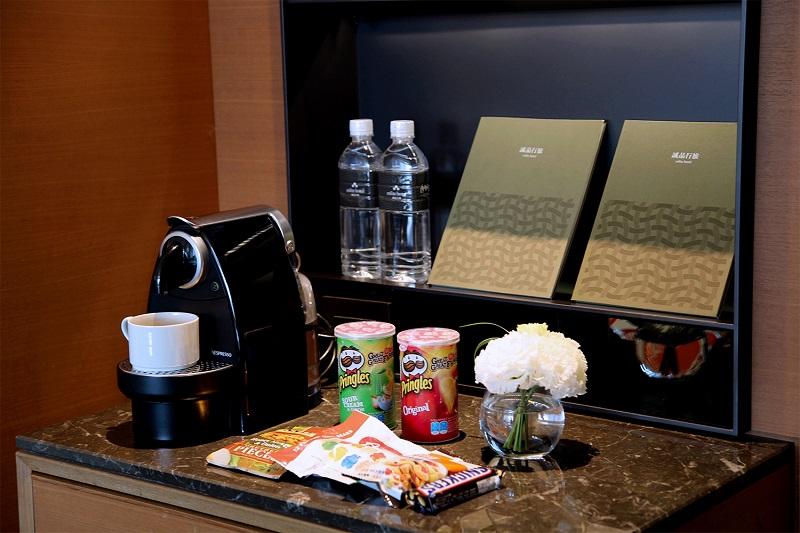 自在享用Nespresso咖啡與點心,雜誌刊物免費翻閱